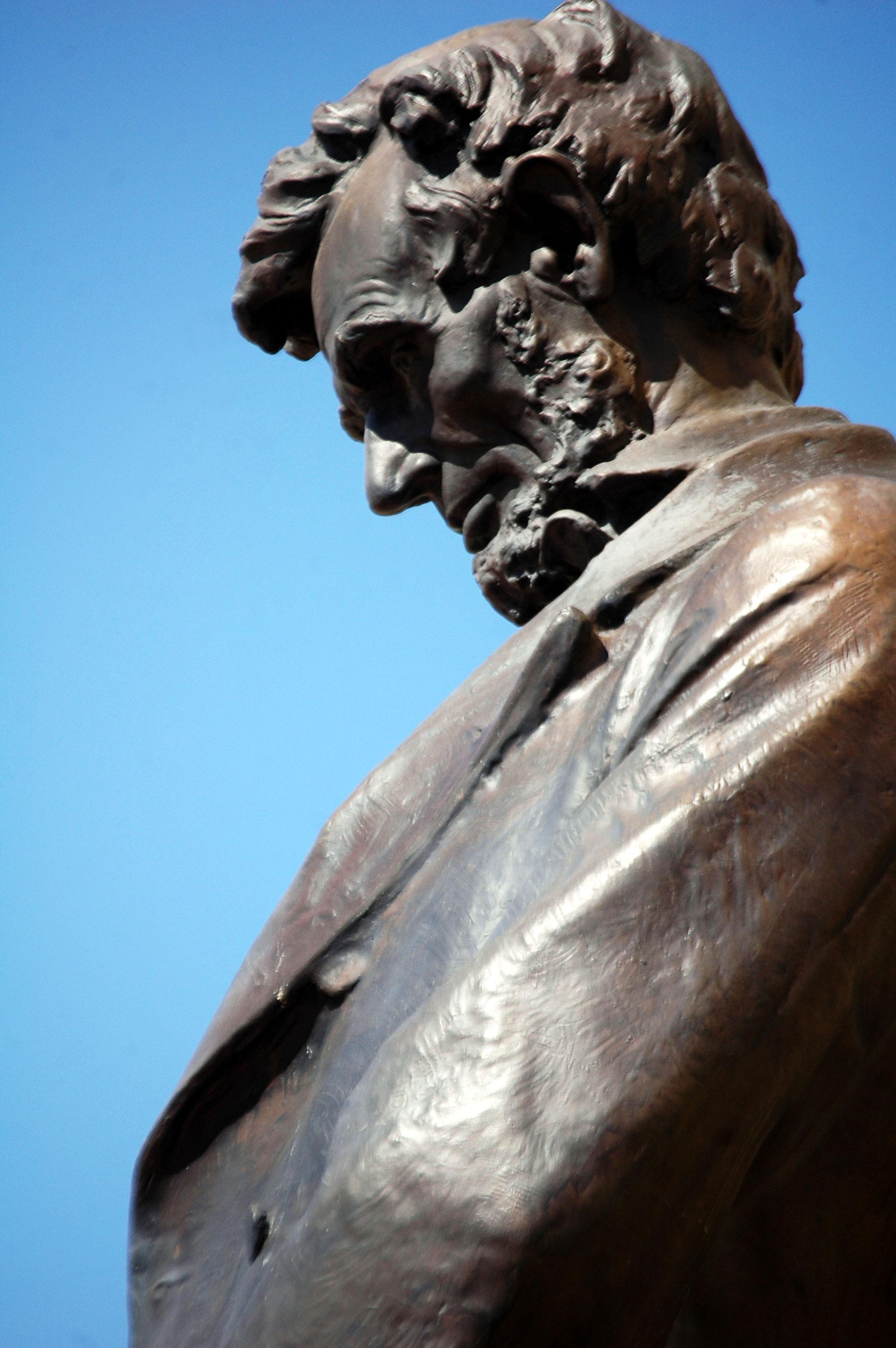 Abe Lincoln Statue
