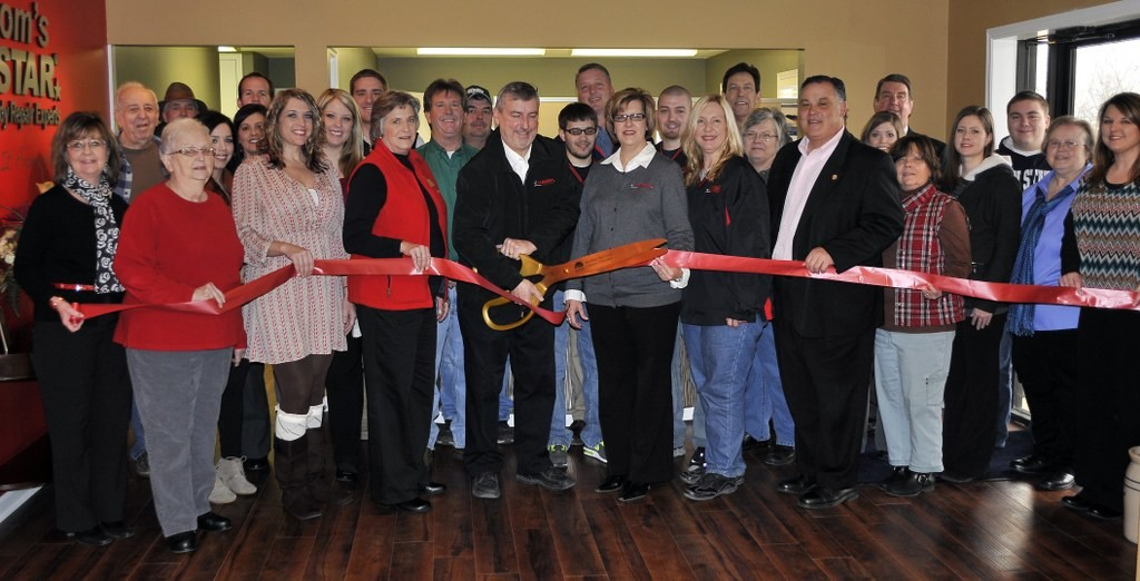 RUSSOM'S CARSTAR COLLISION HOLDS GRAND OPENING FOR SECOND LOCATION IN DYERSBURG, TN