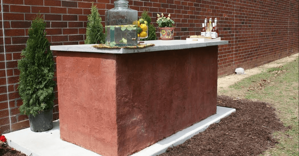 How to Build an Outdoor Bar with Concrete Block