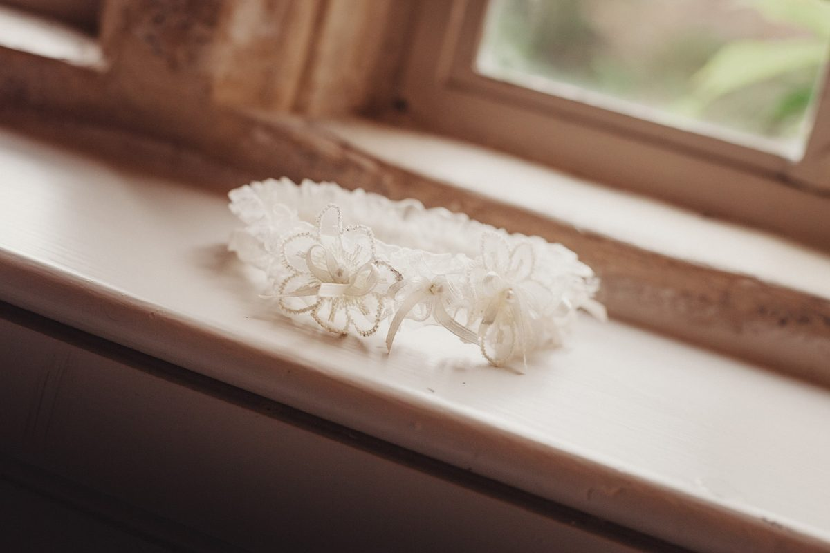 Wedding Photography_Ston Easton House Bristol_bridal garter