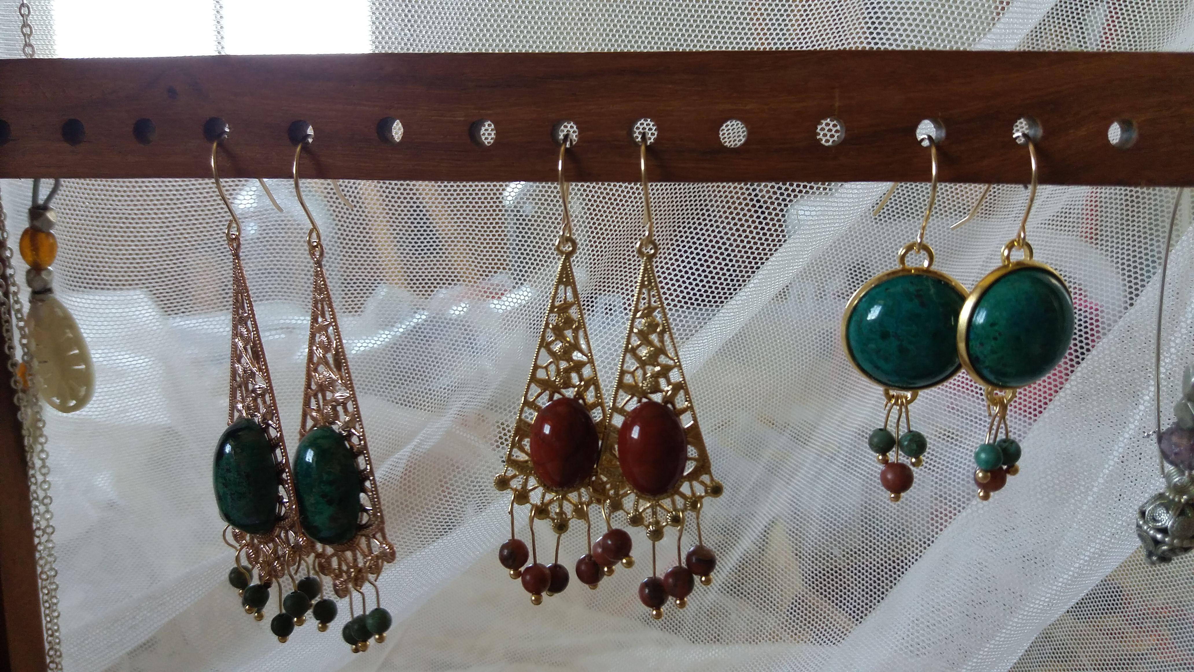 זוג עגילים עבודת יד מחרוזים עתיקים - דפנה לבנון