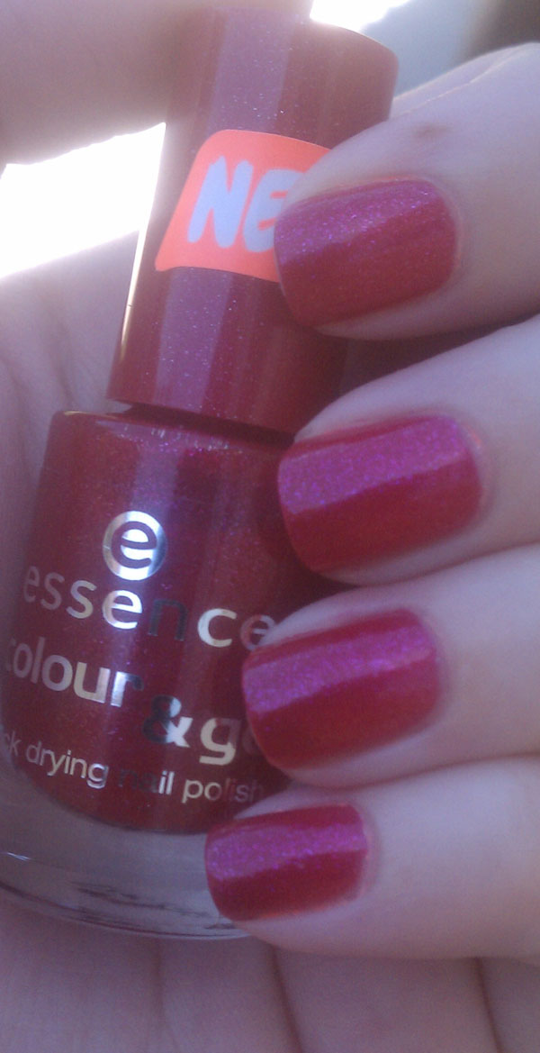 Essence Colour & Go in Glamorous Life Swatches and Review