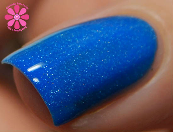 Bubbly Blue cold macro
