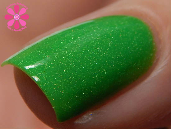 Gleeful Green cold macro