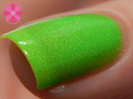 Gleeful Green hot macro