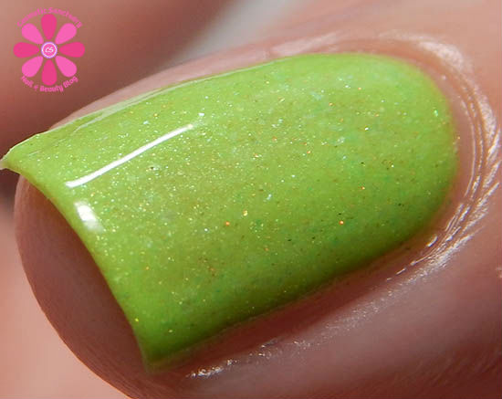 Kiwi Glow Now macro