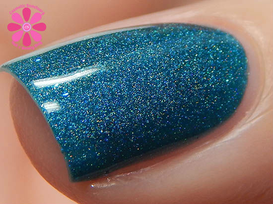 Addicted To Holos Literary Lacquers Salt & Sweetness Swatch macro