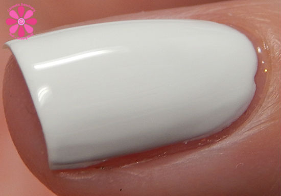 SinfulColors Having A Blast Collection Snow Me White Swatch macro