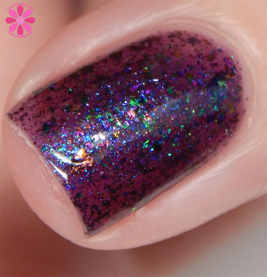 Dollish Polish Limited Edition The Dark Crystal Trio The Crystal Of Truth Swatch Macro 2