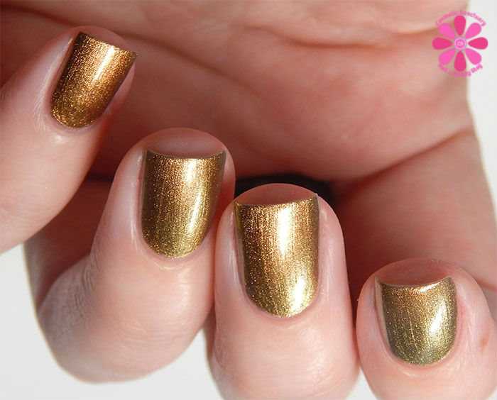Zoya Fall 2015 Flair Collection Aggie Swatch Shift