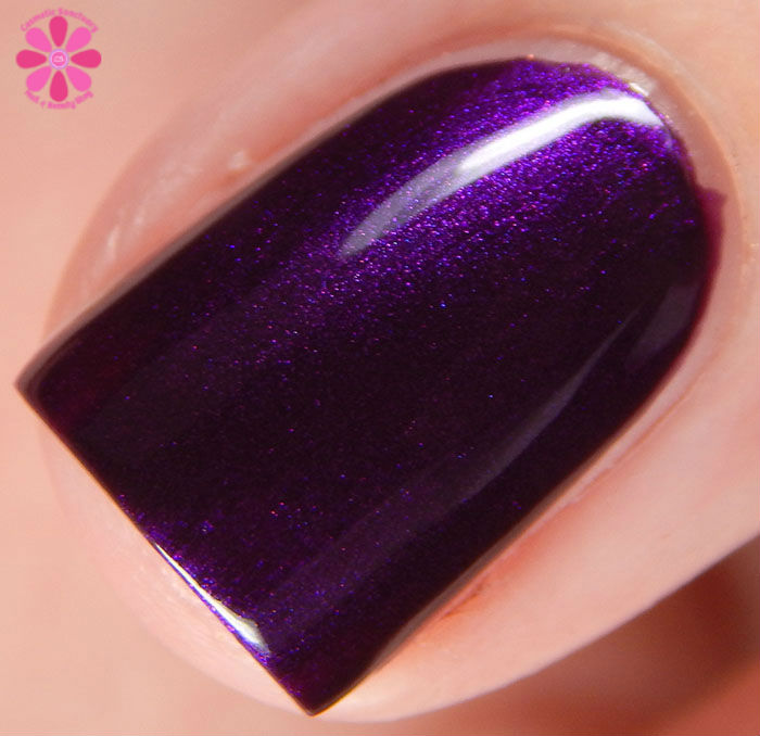 Zoya Fall 2015 Flair Collection Giada Swatch Macro