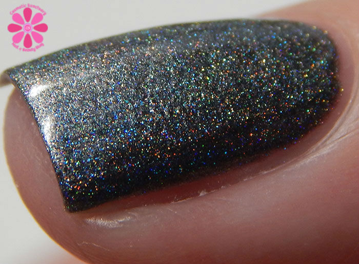 August Addicted to Holos Indie Box Blue-Eyed Girl Lacquer Heat Lightning Swatch side macro