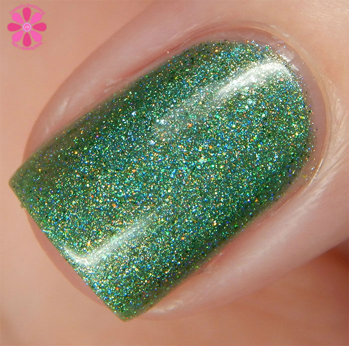 August Addicted to Holos Indie Box Sweet Heart Polish Hot August Nights Swatch macro