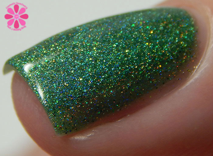 August Addicted to Holos Indie Box Sweet Heart Polish Hot August Nights Swatch side Macro