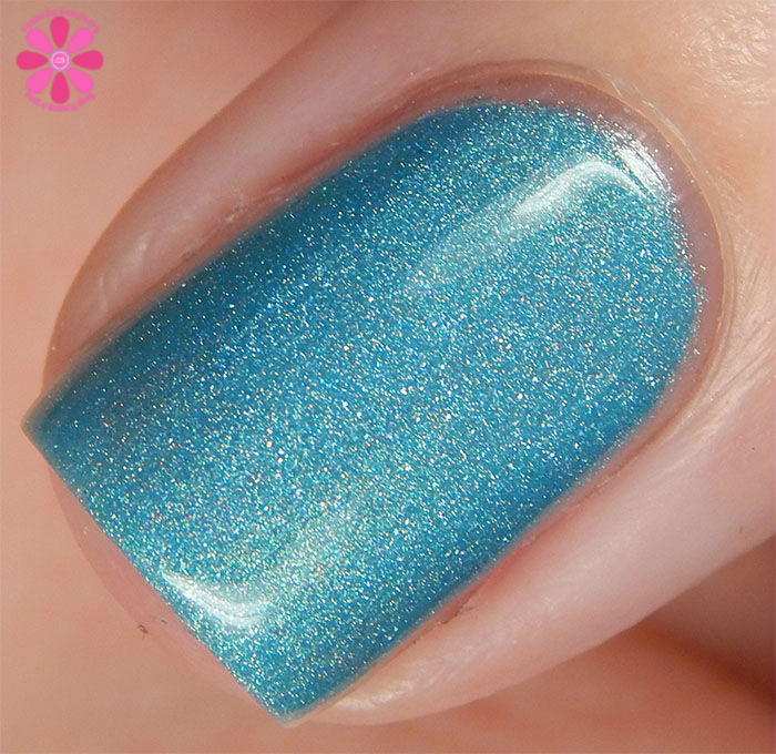 August Addicted to Holos Indie Box The Polish Bar Surf Blue Swatch top macro