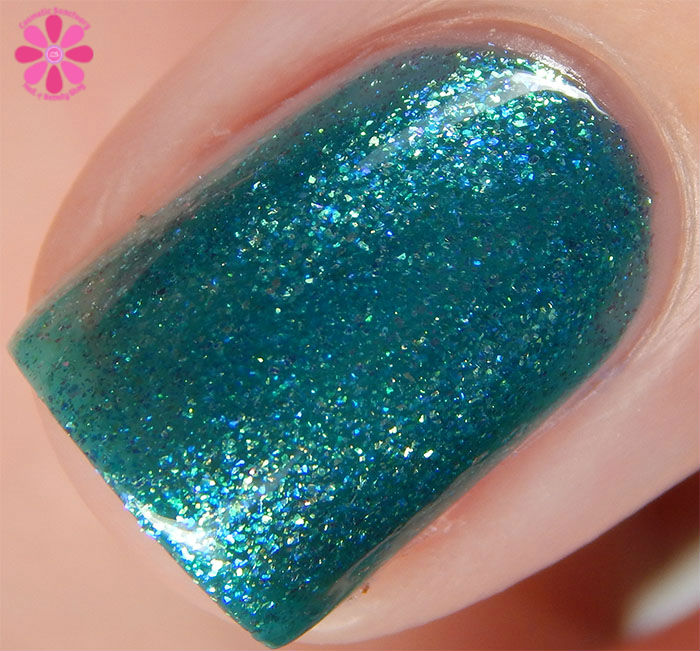 KBShimmer Fall 2015 Collection Talk Qwerty To Me Swatch macro