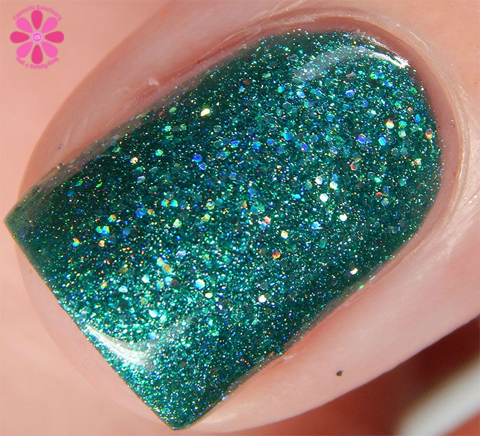 Glam Polish Darkly Dreaming Collection It's Alive! Swatch Macro