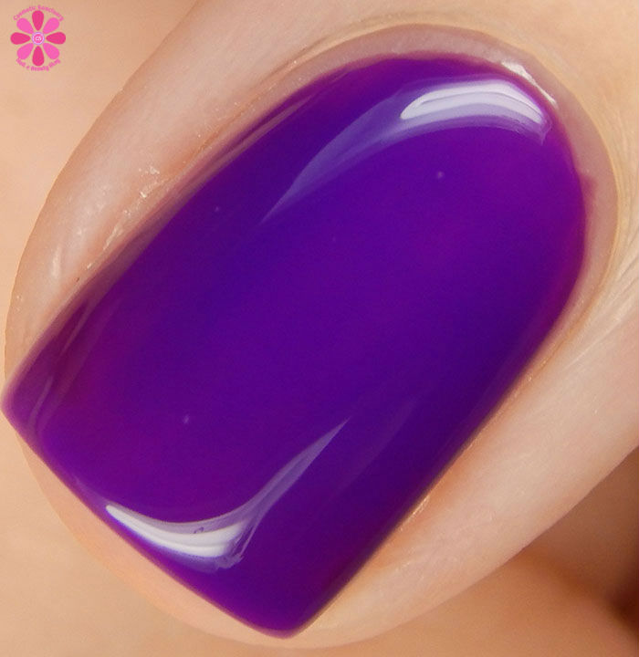 Salon Perfect Halloween 2015 Collection A Royal Affair Swatch Macro