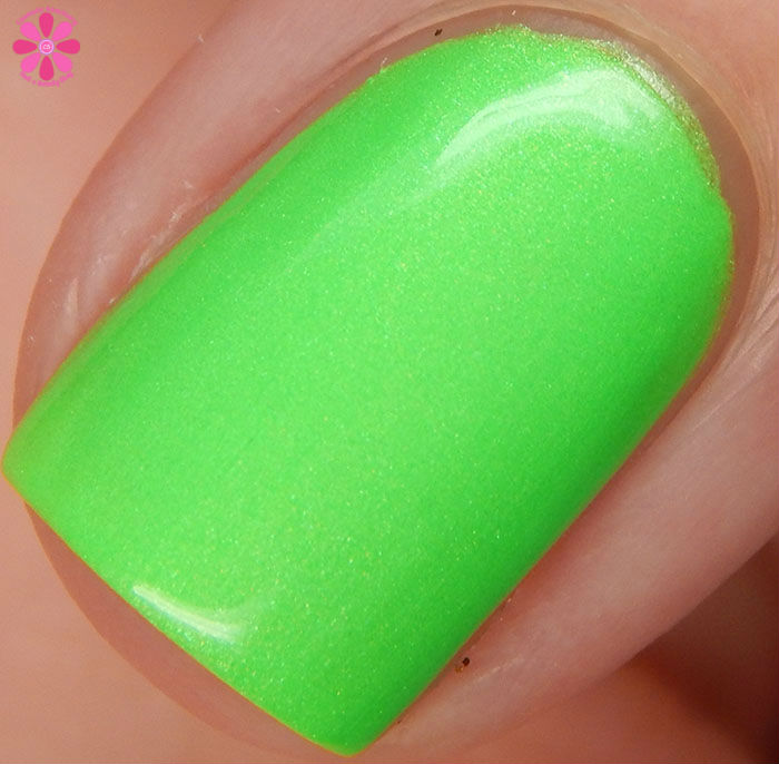 Salon Perfect Halloween 2015 Collection Loopy Lime Swatch Macro
