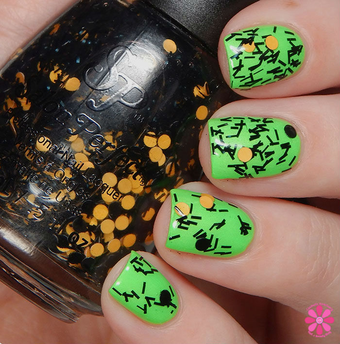 Salon Perfect Halloween 2015 Collection Spider Legs over Loopy Lime Swatch