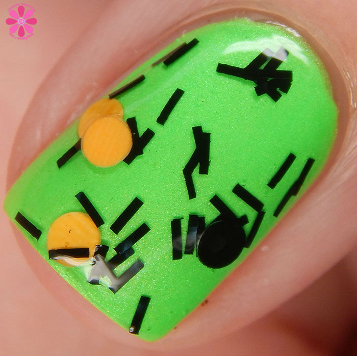 Salon Perfect Halloween 2015 Collection Spider Legs over Loopy Lime Swatch Macro