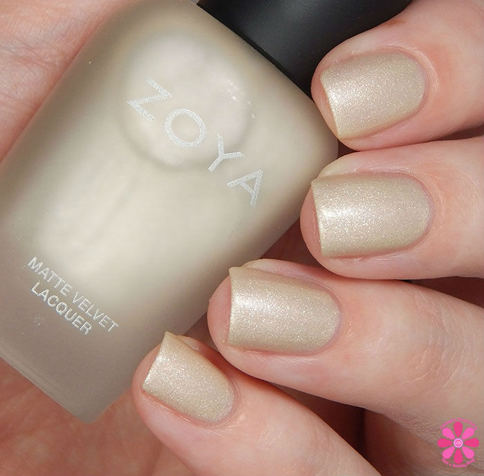 Zoya Winter Holiday 2015 Matte Velvet Collection Sue Swatch
