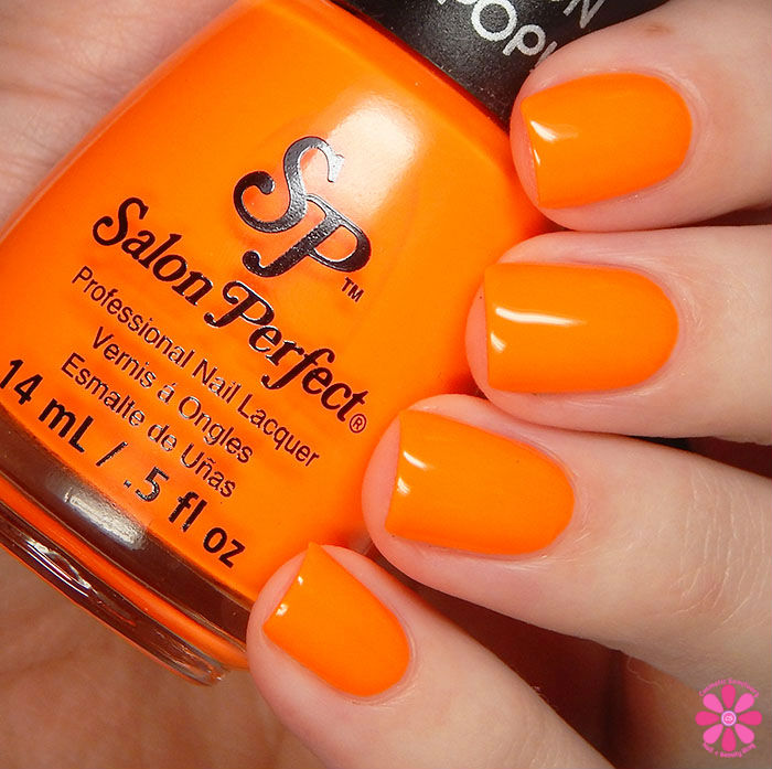 Salon Perfect Halloween 2015 Collection Traffic Cone Swatch
