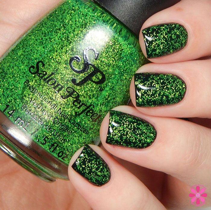 Salon Perfect Halloween 2015 Collection Wicked over Oil Slick Swatch