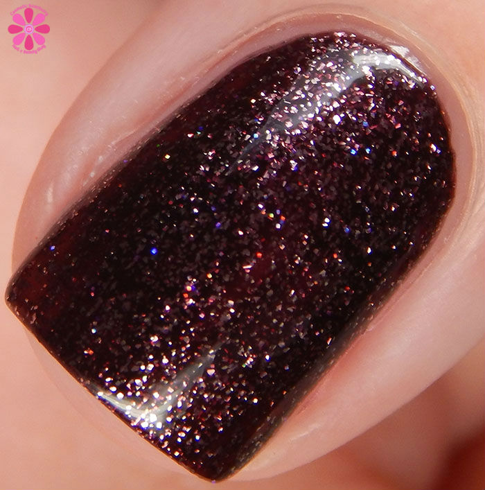 KBShimmer Winter 2015 Collection Yule Worthy Swatch Macro