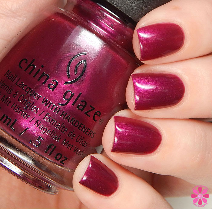 China Glaze Holiday 2015 Cheers Collection Better Not Pout Swatch