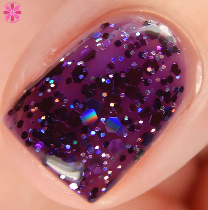 China Glaze Holiday 2015 Cheers Collection Brand Sparkin' New Year Swatch Macro