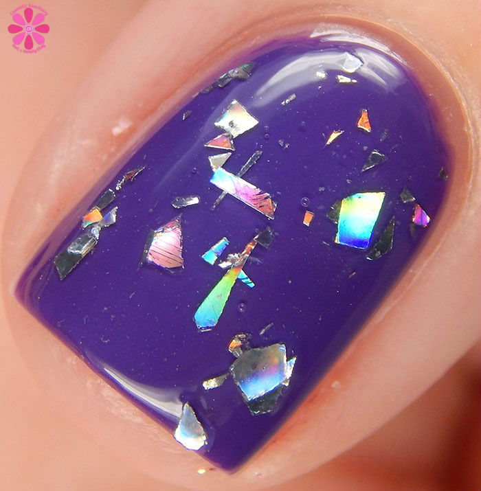 China Glaze Holiday 2015 Cheers Collection Break The Ice Swatch Macro