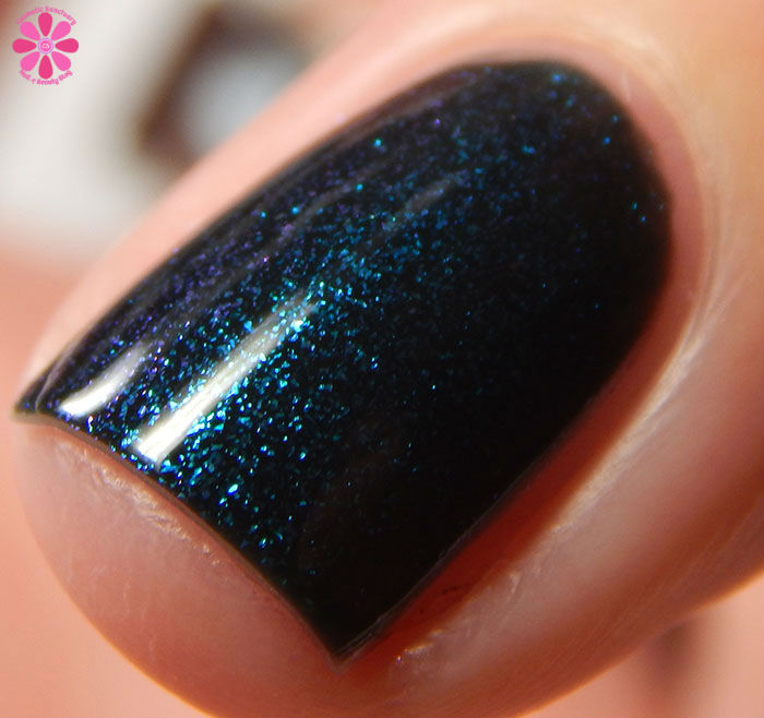 China Glaze Holiday 2015 Cheers Collection Don't Get Elfed Up Swatch Side