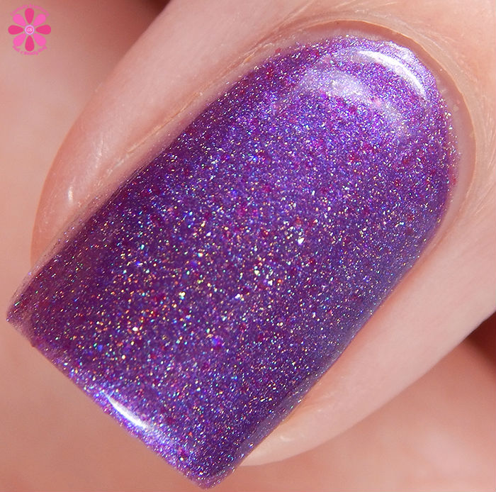 Seventy Seven Nail Lacquer Yes Mistress Macro