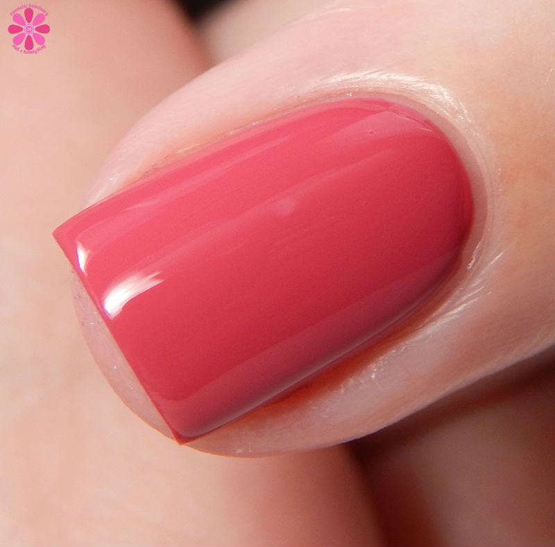 KBShimmer Fall 2016 Grin and Gerbera It Side