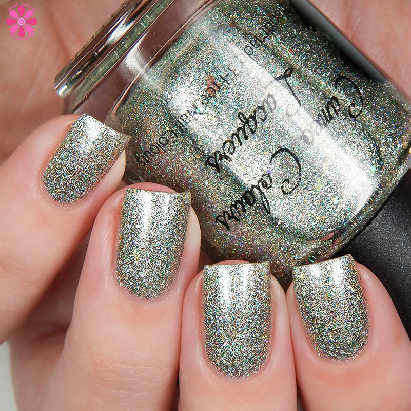 cameo-colours-lacquers-paw-prints-in-the-snow-up