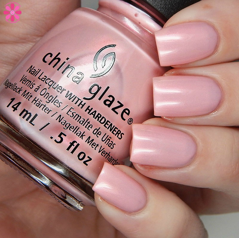 china-glaze-seas-and-greetings-holiday-2016-collection-eat-pink-be-merry