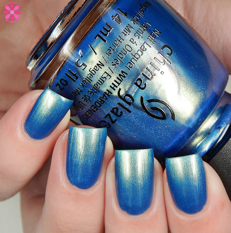 china-glaze-seas-and-greetings-holiday-2016-collection-joy-to-the-waves-up