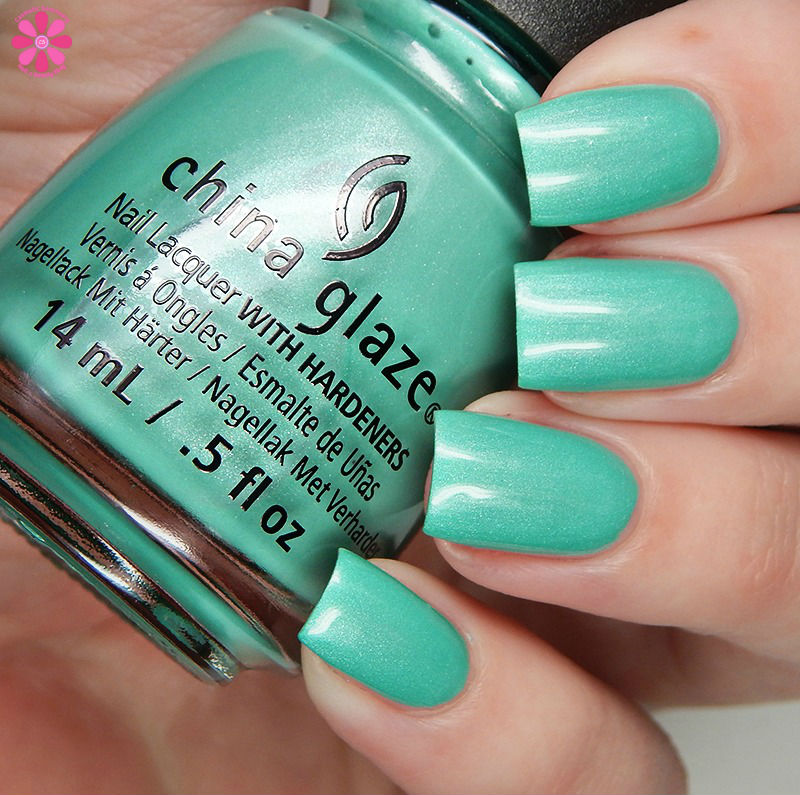 china-glaze-seas-and-greetings-holiday-2016-collection-partridge-in-a-palm-tree-tc
