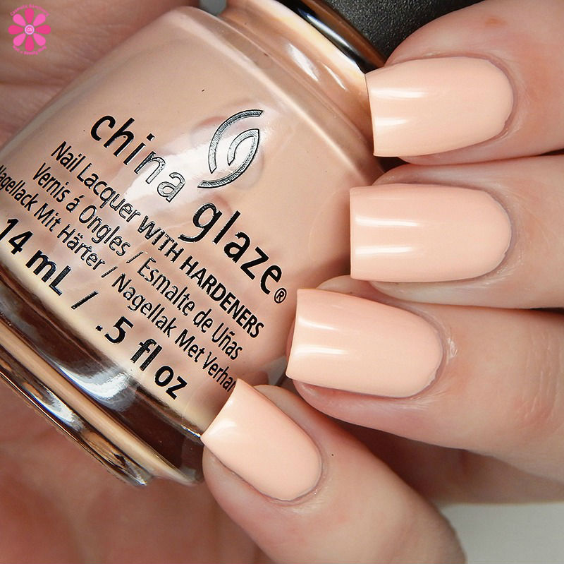 china-glaze-seas-and-greetings-holiday-2016-collection-sand-in-my-mistletoes
