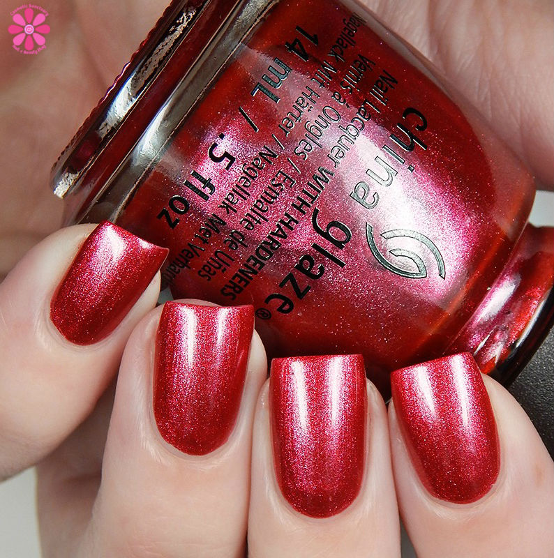 china-glaze-seas-and-greetings-holiday-2016-collection-the-more-the-berrier-up