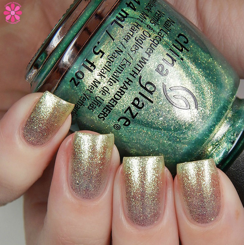 china-glaze-seas-and-greetings-holiday-2016-collection-twinkle-twinkle-little-starfish-up