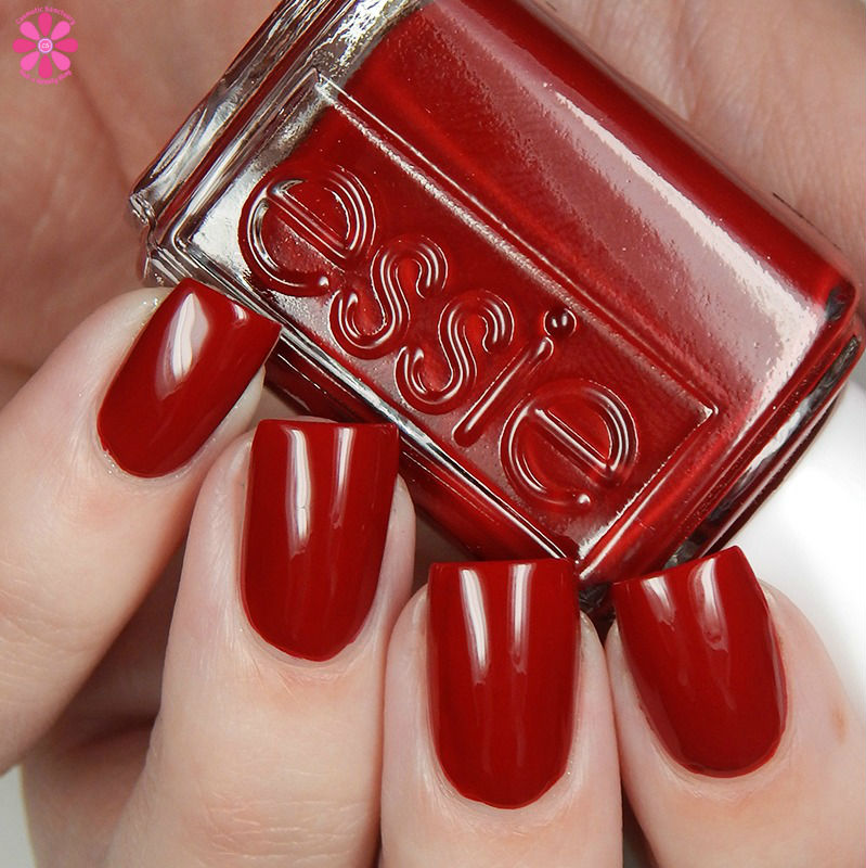 essie-winter-2016-collection-party-on-a-platform-up