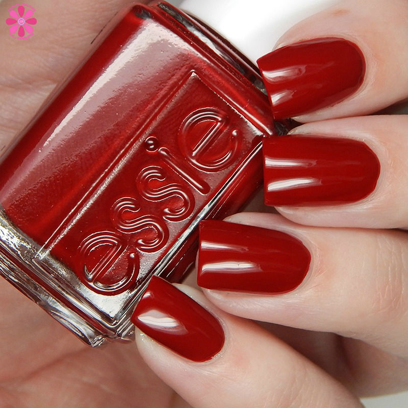 essie-winter-2016-collection-party-on-a-platform
