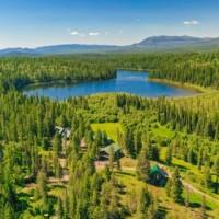 Dog Creek Lodge + Nordic Ski Center