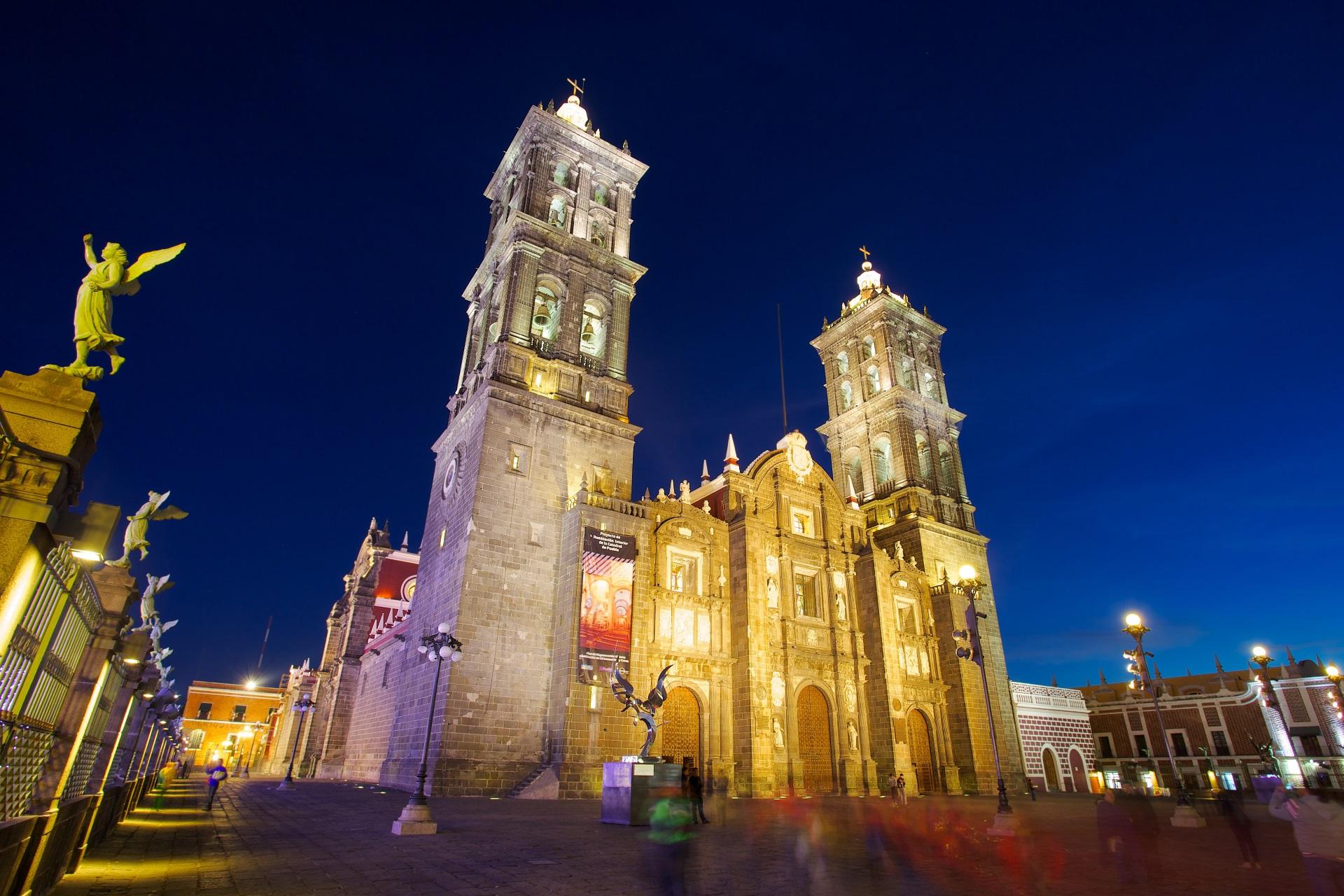 https://s3.amazonaws.com/nstcdn/wp-content/uploads/2016/08/Puebla_Castle.jpg