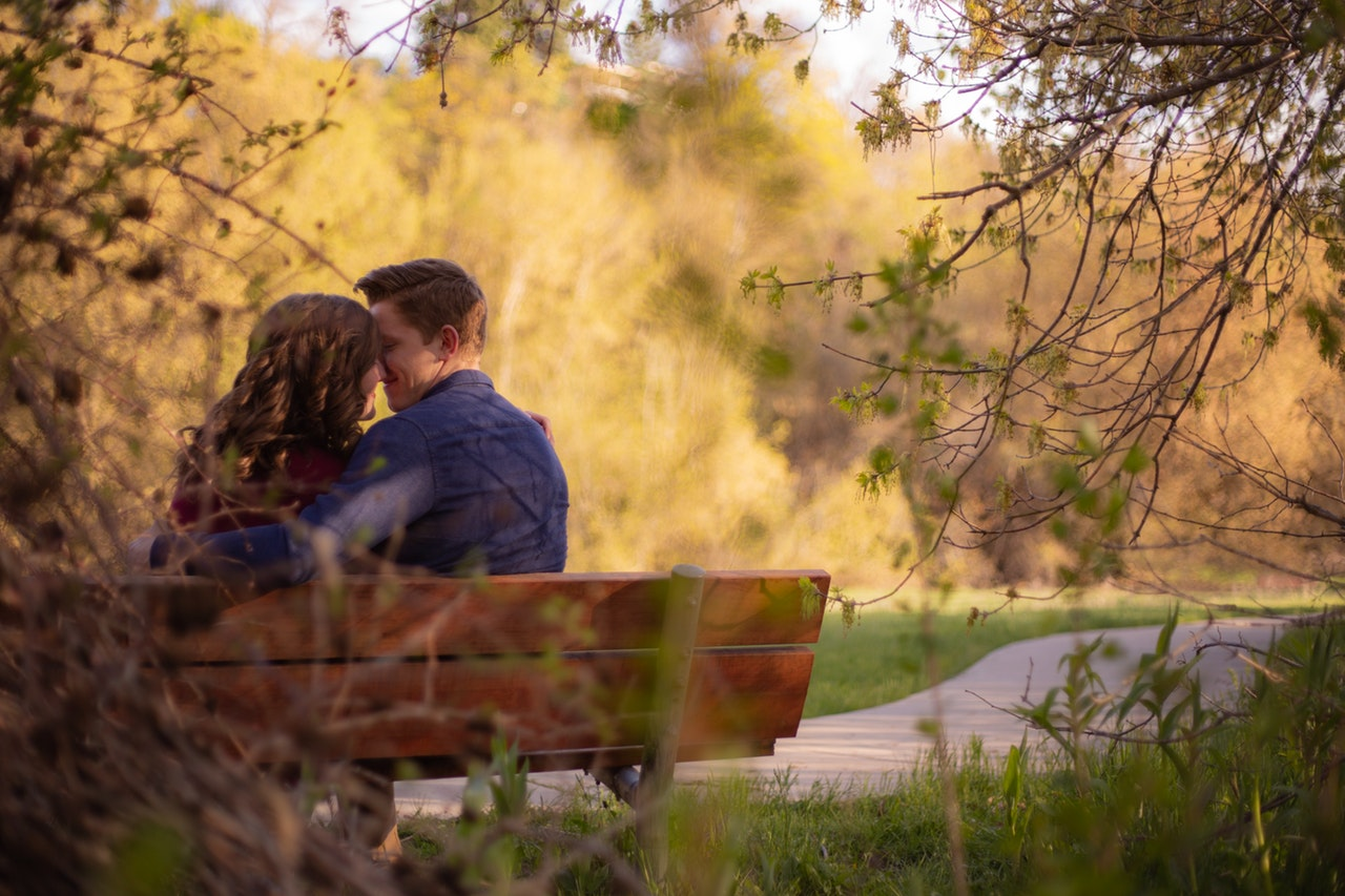 The Best Free and Top Paid Dating Sites for Women