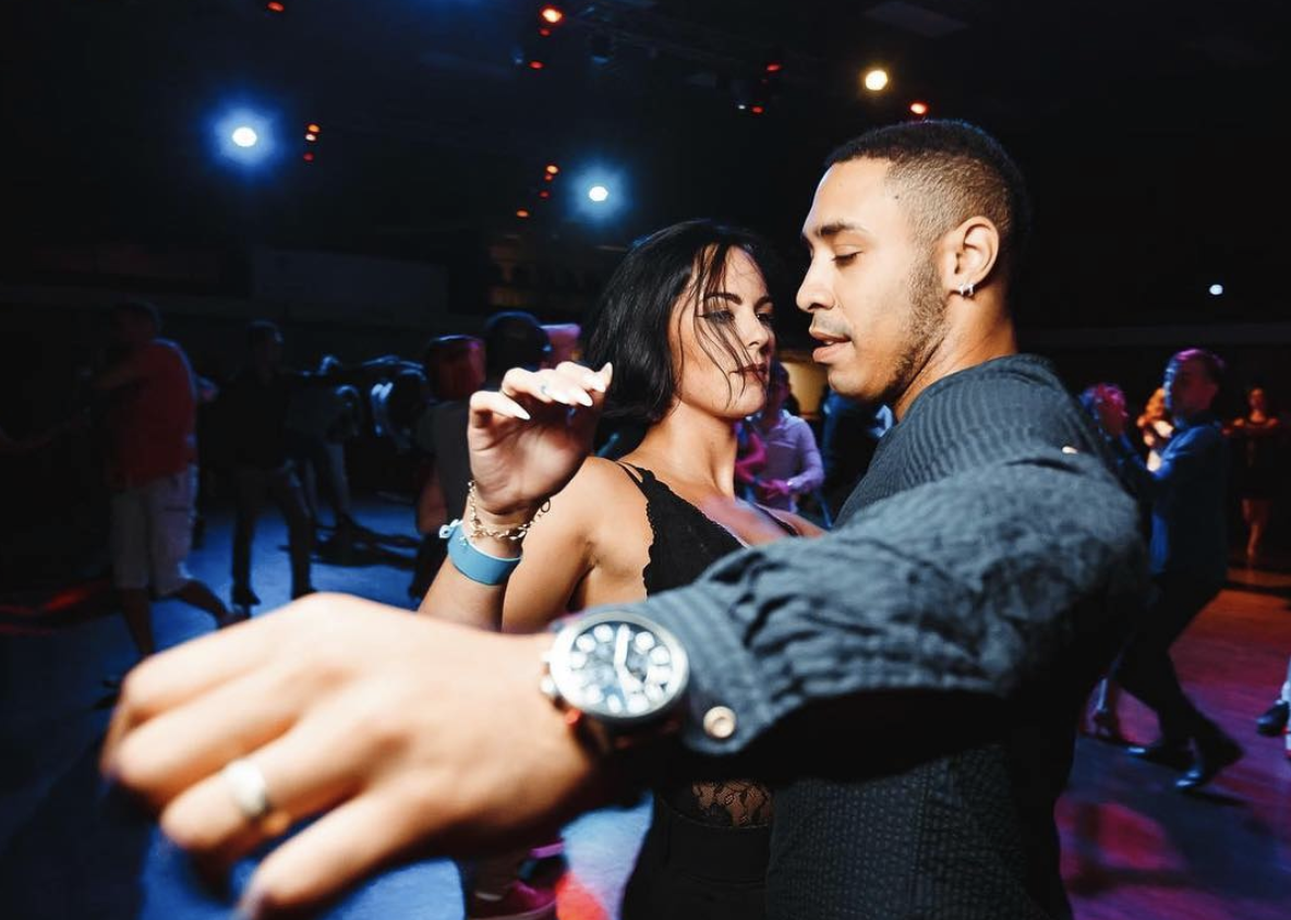 10 Signs That Show Strong Chemistry Between Two People