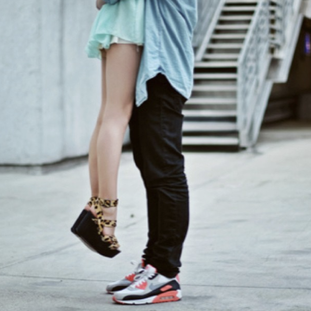 15 Undeniable Facts About Men: Do Guys Like Short Girls