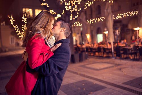 10 Great Kissing Tips For Guys